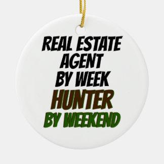 Real Estate Agent Hunter Round Ceramic Decoration