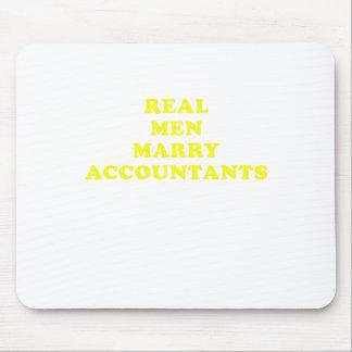 Real Men Marry Accountants Mousepads