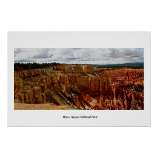 RED AMPHITHEATER IN BRYCE CANYON POSTER