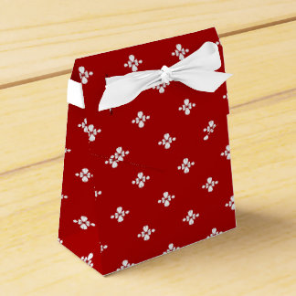 Red and White Design Favor Box