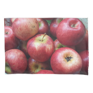 Red apples | pillowcase