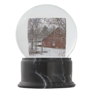 Red Barn In The Snow Snow Globe