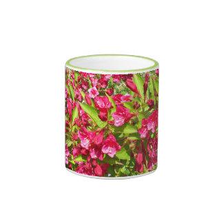 red blooms mugs