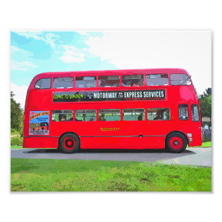 RED BUS PHOTOGRAPH