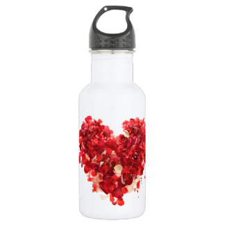 Red heart made of rose petals 532 ml water bottle