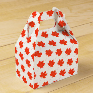 Red maple leaf favour box