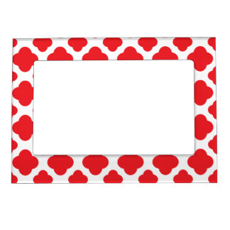 Red Quatrefoil Pattern Magnetic Picture Frame