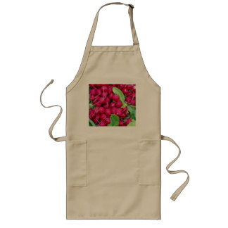 Red rädisor and green blades long apron