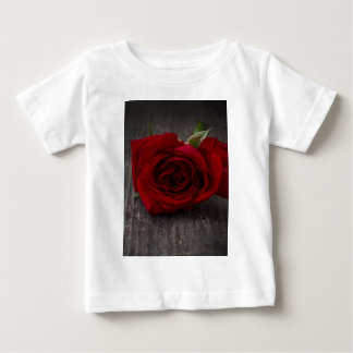 red rose background baby T-Shirt