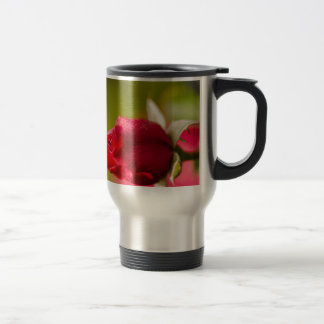 Red rose close up design travel mug