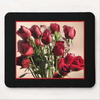red roses boquet mousepad