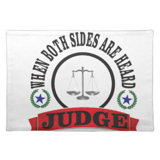 red scales judge placemat