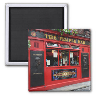 Red Temple Bar pub in Dublin square magnet
