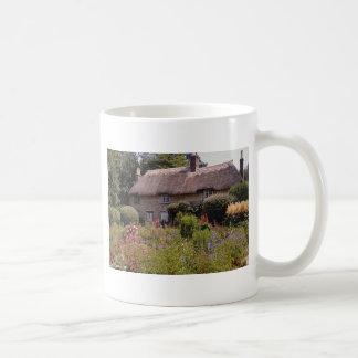 Red Thomas Hardy's cottage, Dorset, England flower Mug