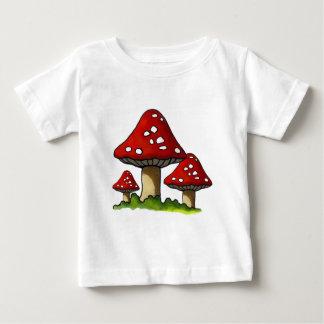Red Toadtstools, Mushroom: Freehand Art T-shirts