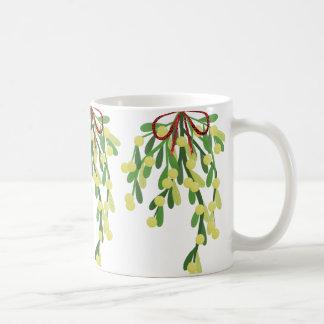 red xmas mistletoe coffee mug