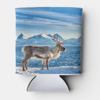 Reindeer into snow covered landscape RK sea Can Cooler