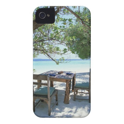 Resort Image 2 iPhone 4 Cover