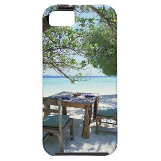 Resort Image 2 Tough iPhone 5 Case