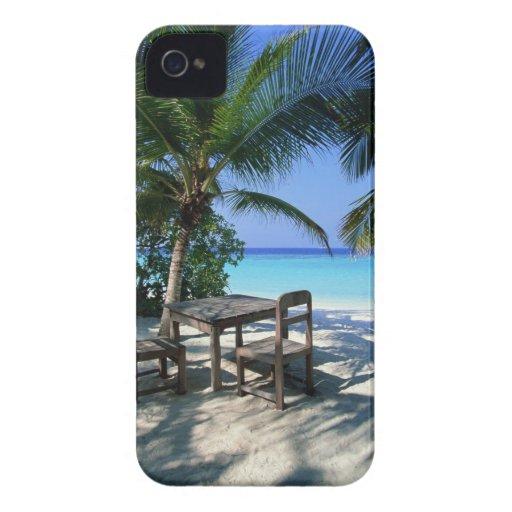 Resort Image iPhone 4 Case-Mate Cases
