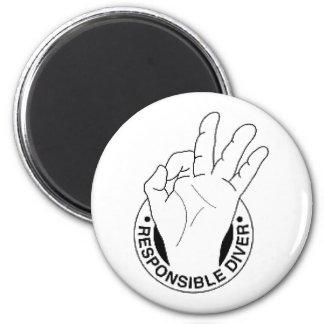 responsible_diver_logo_dark 6 cm round magnet