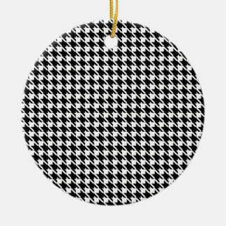 Retro black and white pattern round ceramic decoration