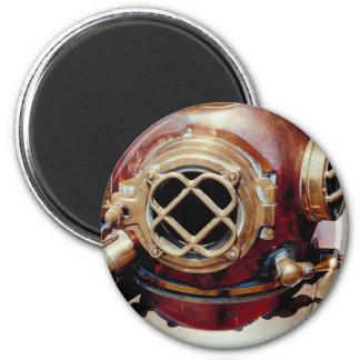 Retro Diving Helmet Magnet