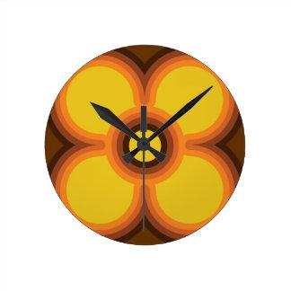 retro flower design round clock
