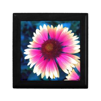 Retro Flower Small Square Gift Box