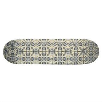 Retro geometric floral ornamental pattern 19.7 cm skateboard deck