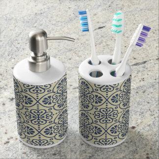Retro geometric floral ornamental pattern bathroom set
