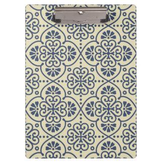 Retro geometric floral ornamental pattern clipboard