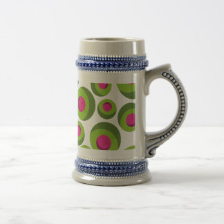 Retro hippie pattern with colored dots beer stein