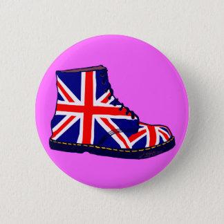 Retro look british boot pop art 6 cm round badge