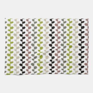 Retro Mod Multicolored Leaf Pattern Hand Towels