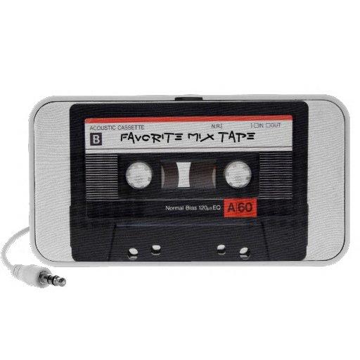 Retro-Themed Cassette Speaker