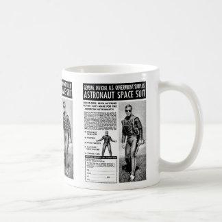 Retro Vintage Kitsch Sci Fi Own a Astronaut Suit Basic White Mug