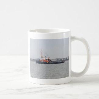 River Thames Tug Coffee Mugs