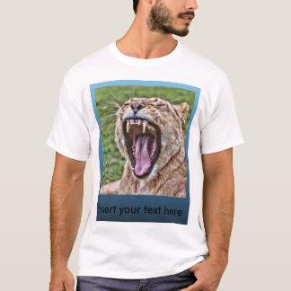 Roaring Lioness portrait T-Shirt