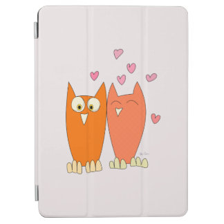 Romantic couple of funny owls iPad air cover