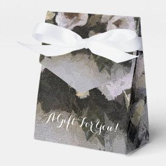 Romantic Flowers | Roses on Lavender Favour Box