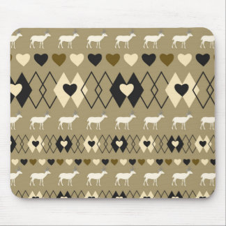 Romantic Valentine's Day pattern with deer Mouse Pad