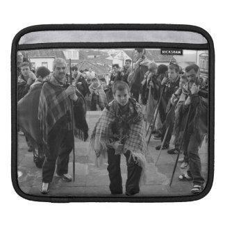 Romeiros pilgrims iPad sleeve