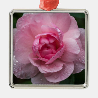 Rose drops metal ornament