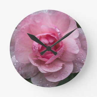 Rose drops round clock