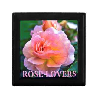 ROSE OF LOVER SMALL SQUARE GIFT BOX