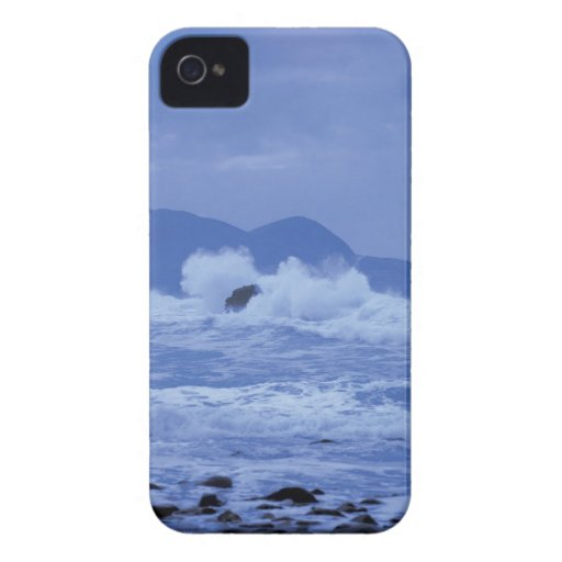 rough seas crashing against a rocky shore iPhone 4 cover