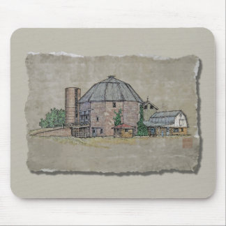Round Barn Mouse Pad