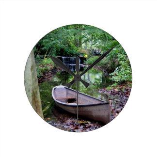 Row boat round clock