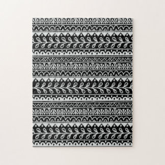 Rows of Black and White Doodle Patterns Puzzles